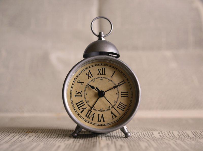 【ミニマリスト】時計は必要なんだろうか?【腕時計、掛け時計、目覚まし】