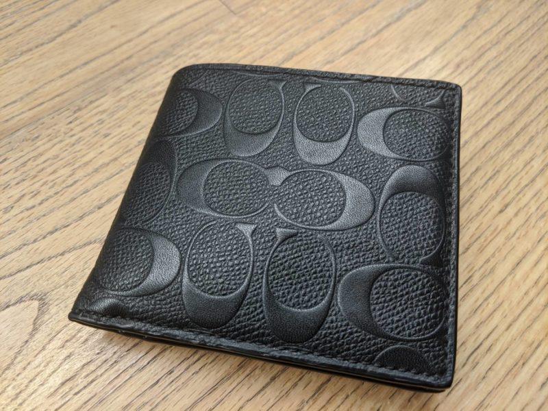 【ミニマリスト】長財布を使わなくなった理由。二つ折りを使うワケ