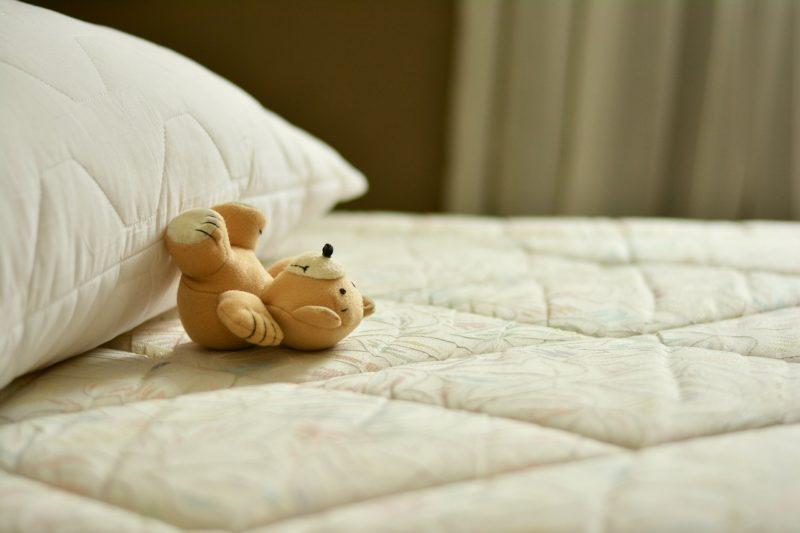 【ミニマリスト】寝袋生活のメリット、デメリット【脱布団】