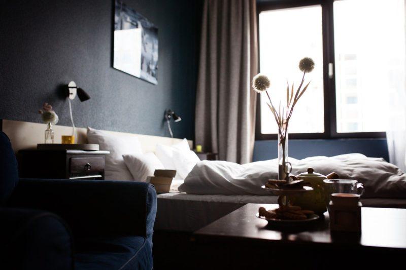 【断言する】ミニマリストは「ホテル」のような部屋を作るべし